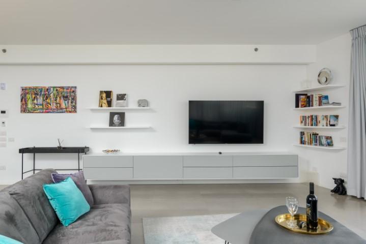 59 Hayarkon, Tel Aviv, 3 Bedrooms Bedrooms, ,3 BathroomsBathrooms,Apartment,For Rent,Renoma,Hayarkon,8,1042