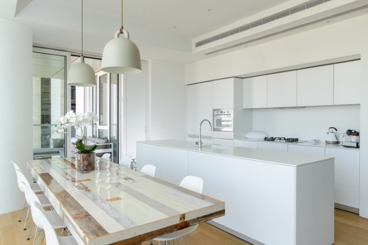 36 Rothschild, Tel Aviv, 3.5 Bedrooms Bedrooms, ,2 BathroomsBathrooms,Apartment,For Rent,Meir Building,Rothschild,7,1043