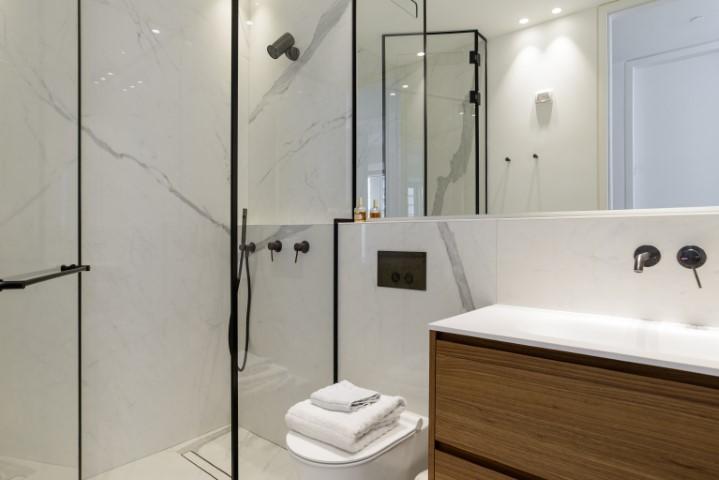 36 Rothschild, Tel Aviv, 3.5 Bedrooms Bedrooms, ,2 BathroomsBathrooms,Apartment,For Rent,Meir Building,Rothschild,7,1043